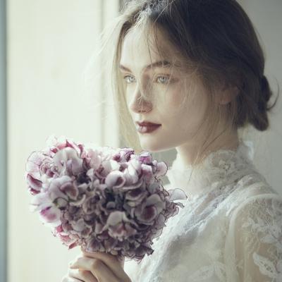 minimalWEDDINGを挙げる花嫁