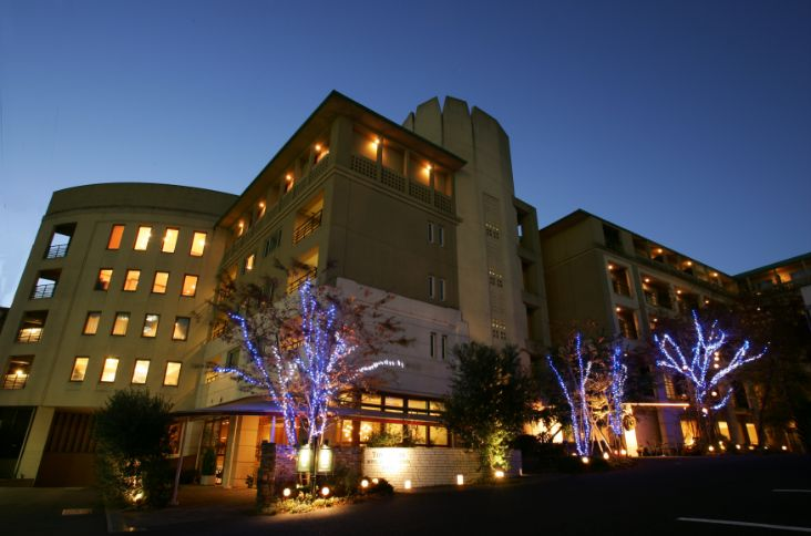 アグネスホテルのナイトウェディングで大人婚