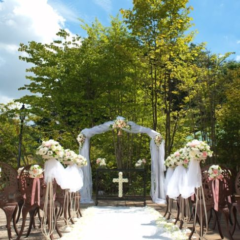 結婚式場フィオーレのガーデンウェディング