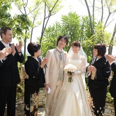 葉山庵Tokyoで祝福される新郎新婦