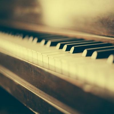 ピアノの生演奏をパーティーに