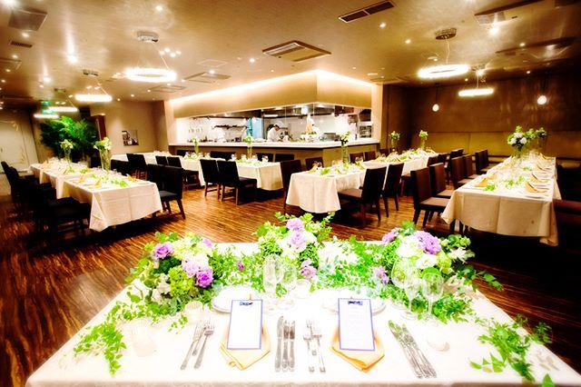 結婚式場シュビアのオープンキッチンがある会場
