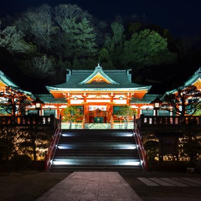 ライトアップされた日光織姫神社でフォトウェディング