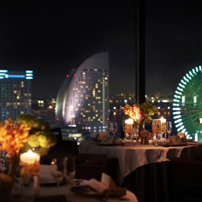 結婚式場横浜モノリスから見える夜のみなとみらい