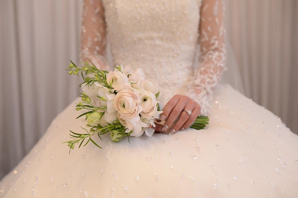 ロイヤルウェディングのような清楚な花嫁