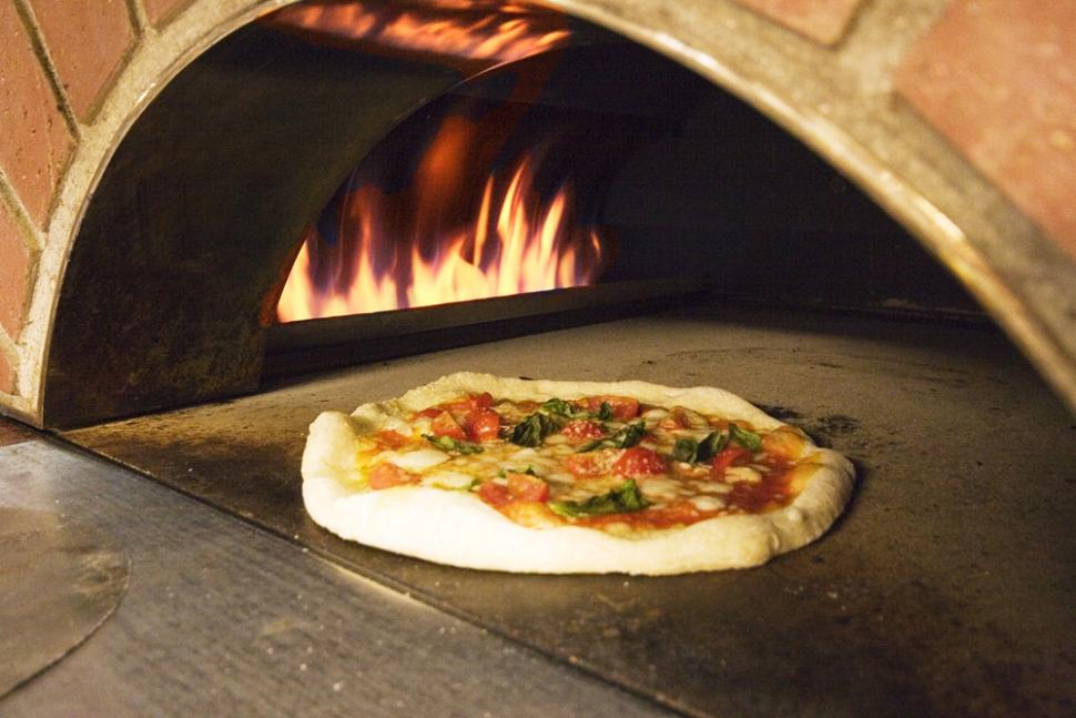 結婚式場ベニーレベニーレのピザ窯