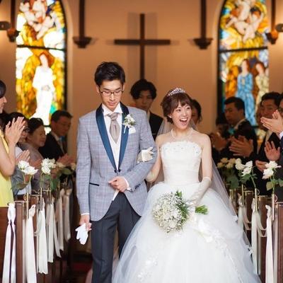 旧軽井沢礼拝堂で挙式をした新郎新婦