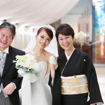 花嫁と父母