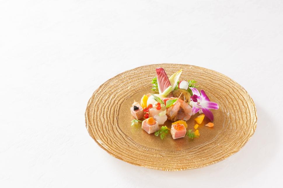 見た目も鮮やかなレストランクルーズクルーズ横浜の料理