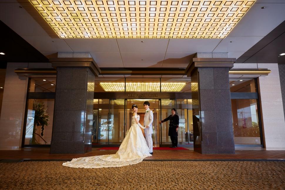京王プラザホテル八王子の正面玄関