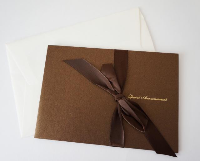 ラグジュアリーな結婚式の招待状
